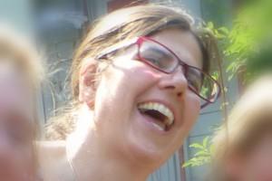 Rosalie Gauger beim Lachyoga